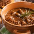 Гуляш из говядины с подливкой рецепт с фото пошагово в кастрюле